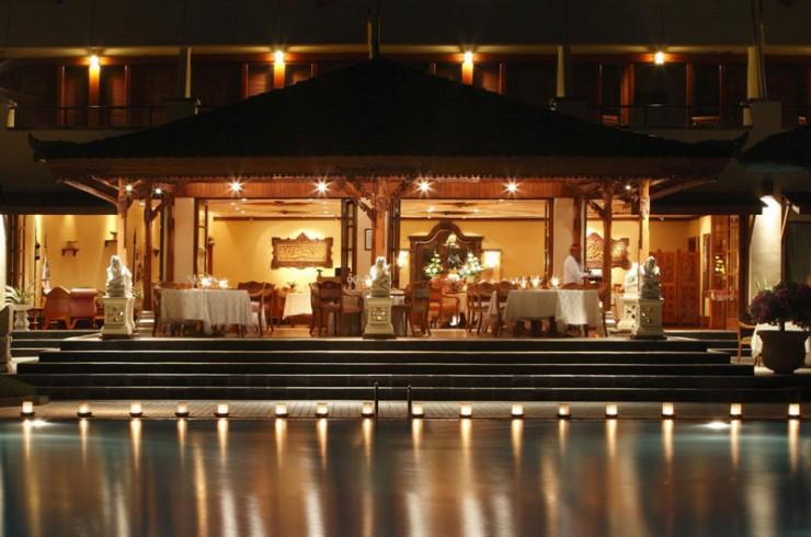 Raja's Balinese Restaurant 7 Tempat Makan Halal di Bali yang Cozy Banget