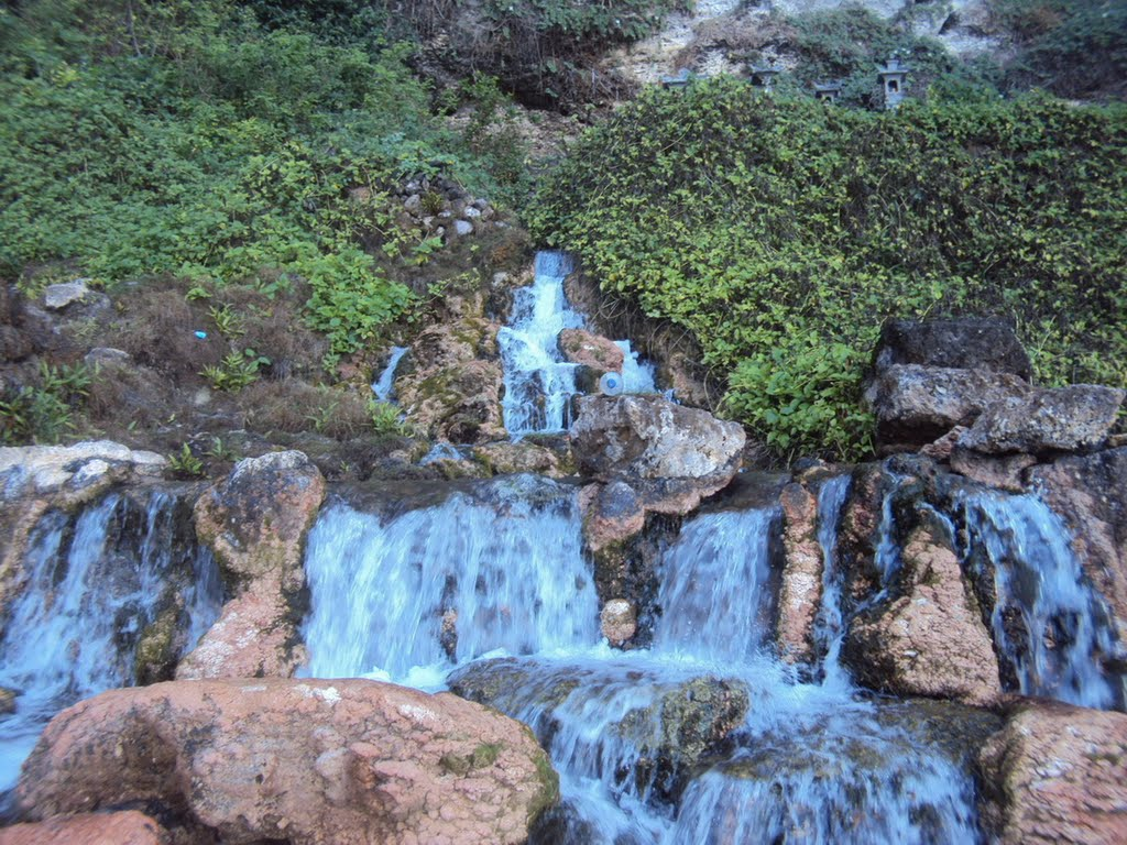 Air Terjun Seganing Nusa Penida, Air Terjun Istimewa yang Keindahannya Tersembunyi