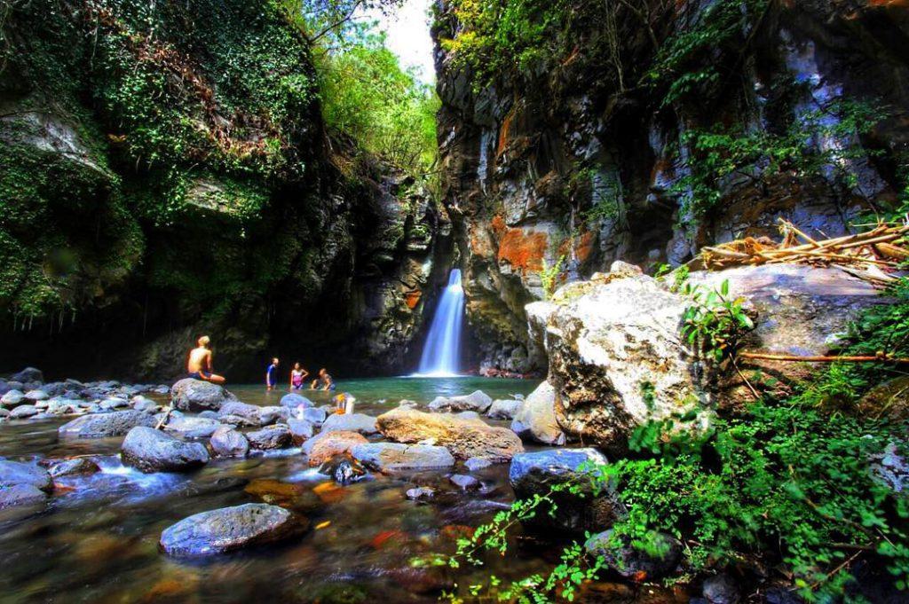Air Terjun Tembok Barak Sambangan 4 1024x681 » Air Terjun Tembok Barak Sambangan, Destinasi Wisata Alam Terbaru di Buleleng