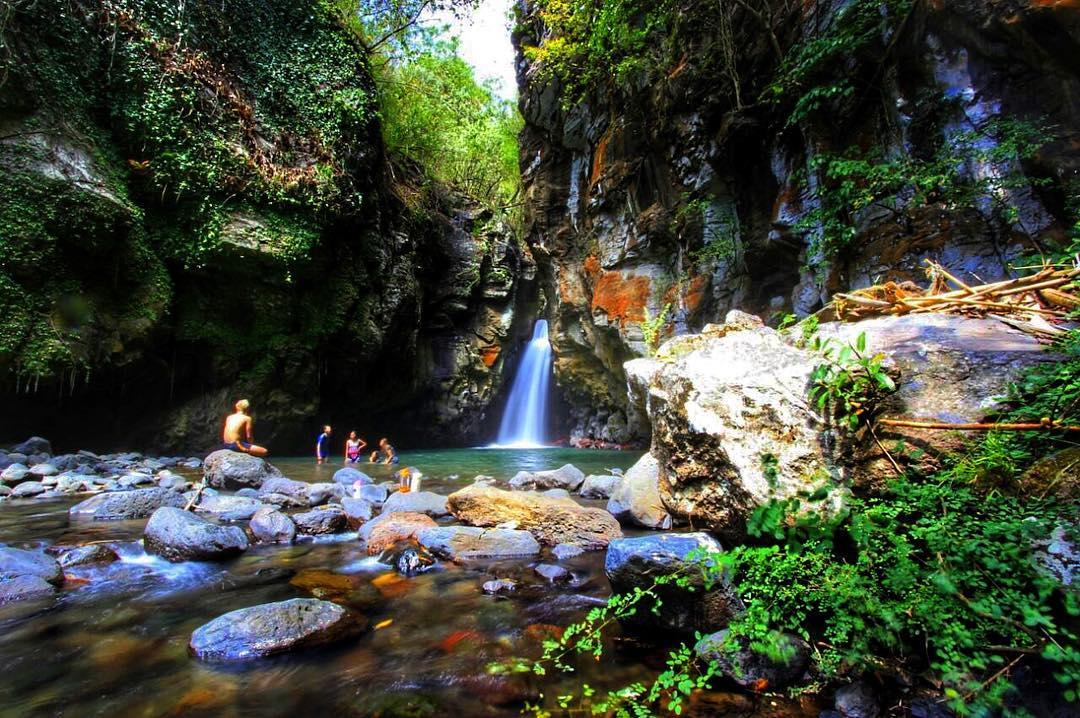 Air Terjun Tembok Barak Sambangan, Destinasi Wisata Alam Terbaru di Buleleng