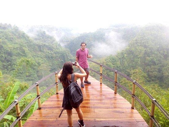 Anjungan Desa Jehem 2 » Anjungan Desa Jehem, Wisata Instagramable Menyaksikan Pemandangan Atas Tebing yang Memukau