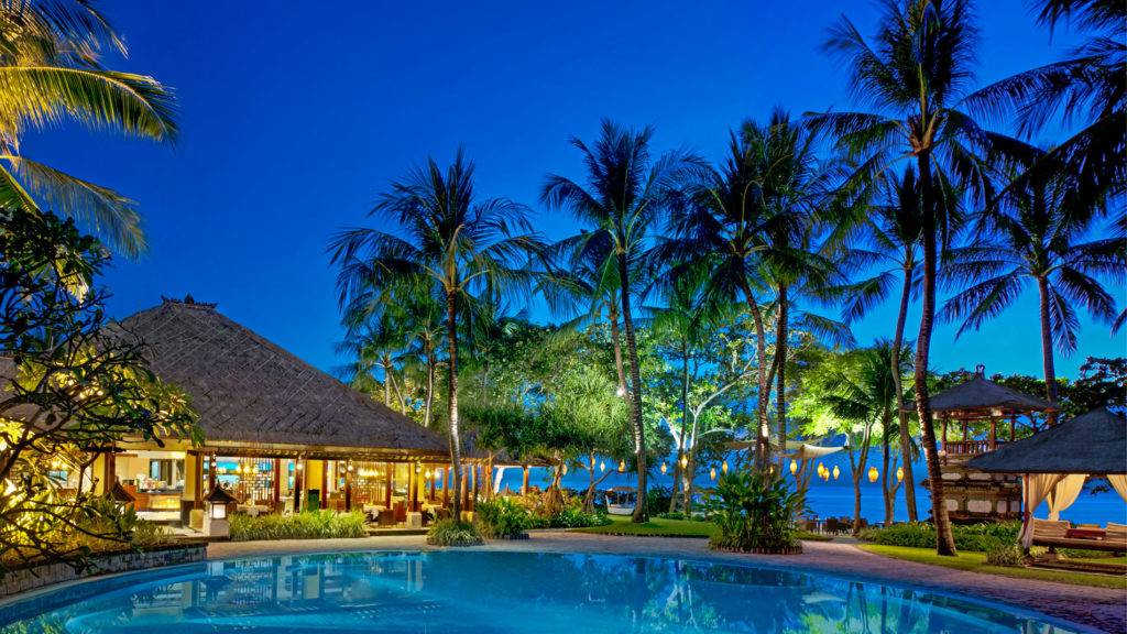 Arwana Restaurant Nusa Dua 1 1024x576 » Arwana Restaurant Nusa Dua, Pengalaman Makan Malam Romantis dengan Sajian Pemandangan Samudera Hindia