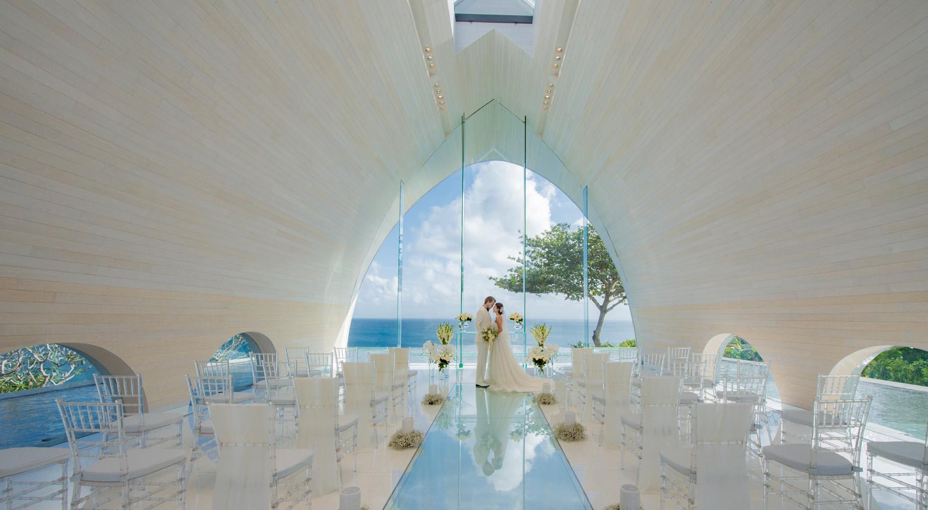 Ayana Tresna Chapel Bali, Hadirkan Suasana Pernikahan Mewah dan Romantis di Bangunan ala Kapel