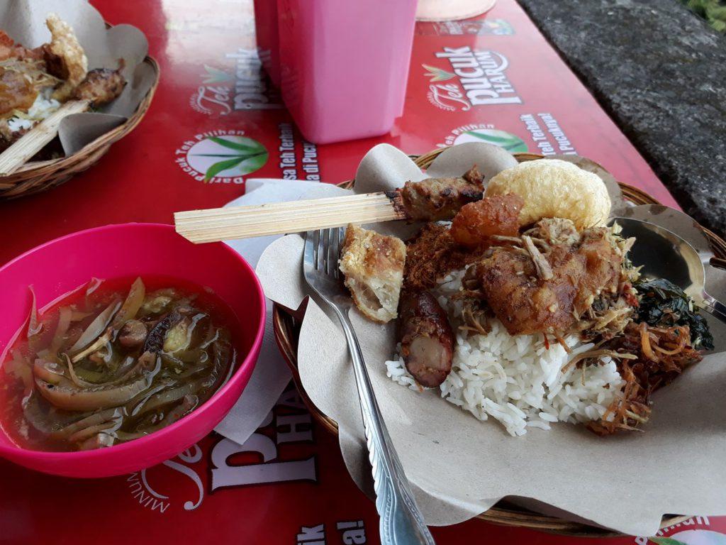 Babi Genyol Khas Bali 1 1024x768 » Babi Genyol Khas Bali, Kuliner Tradisional yang Selalu Hadir saat Perayaan Galungan