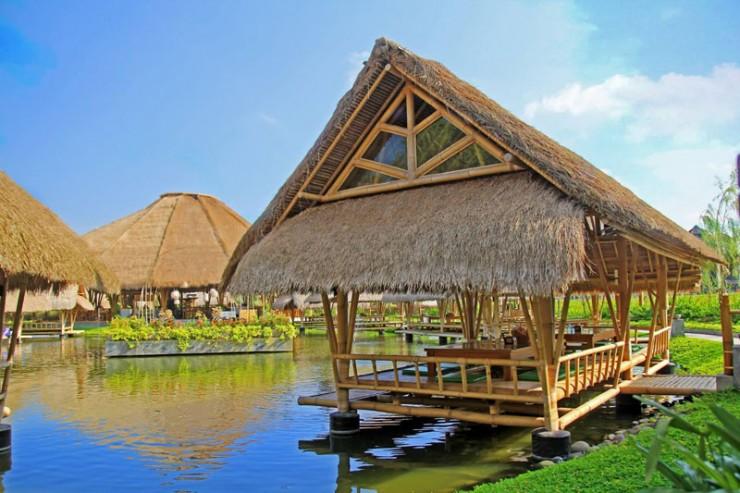 Bale Udang Mang Engking » 7 Tempat Makan Halal di Bali yang Cozy Banget
