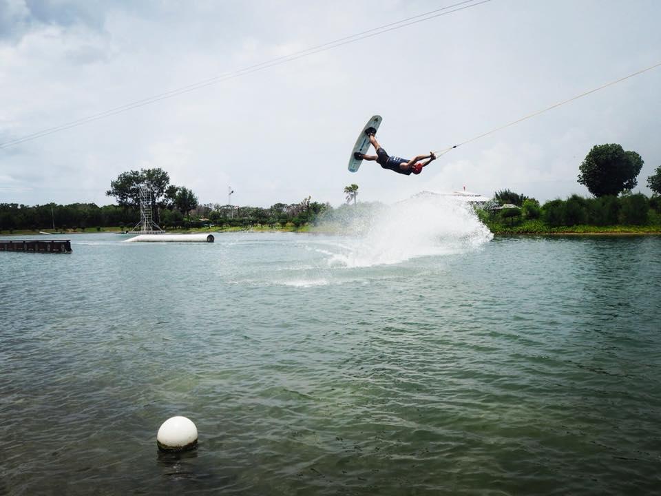 Bali Wake Park Denpasar, Tawarkan Wahana Permainan Air yang Asyik Wake Boarding