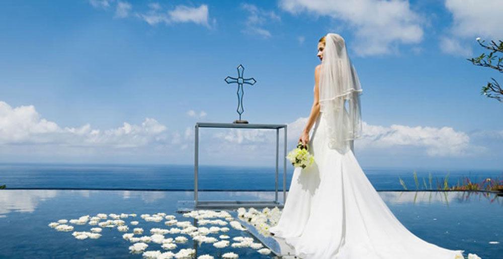 Bulgari Water Wedding Uluwatu, Pengalaman Unik Pernikahan di Atas Air