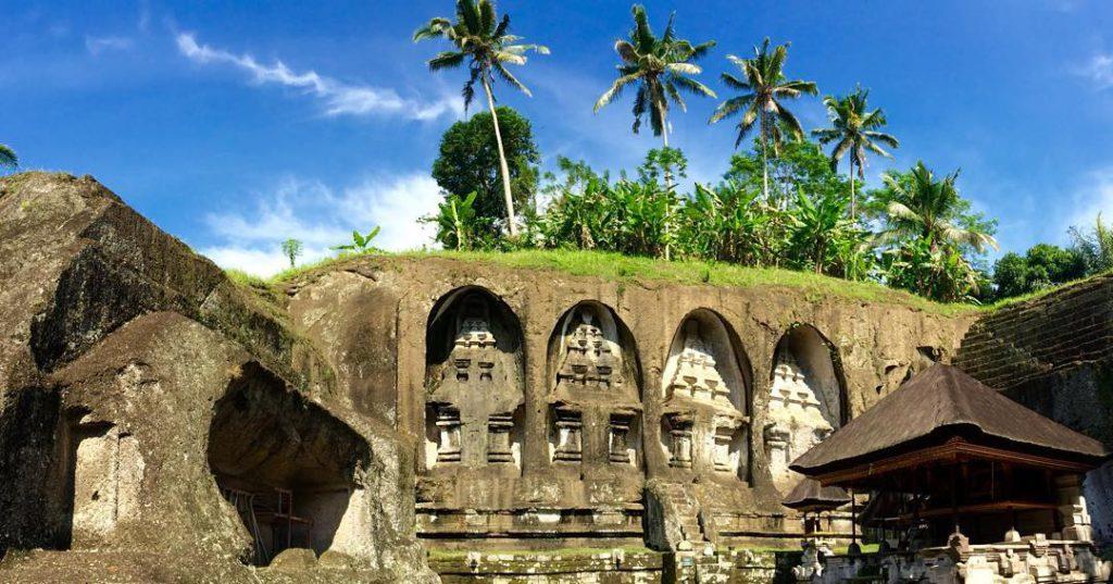 Candi Gunung Kawi Tampaksiring 2 1024x537 » Candi Gunung Kawi Tampaksiring, Candi Megah Penuh Nilai Sejarah di Gianyar