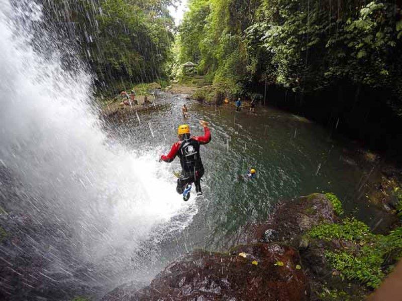 Canyoning di Air Terjun Gitgit 3 » Canyoning di Air Terjun Gitgit - Pilihan Aktivitas Menantang Adrenalin di Bali