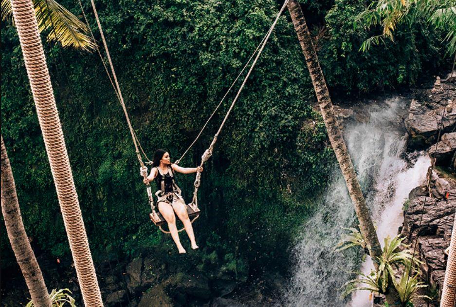 D'tukad River Club Blangsinga, Liburan Menantang Naik Swing di Atas Air Terjun