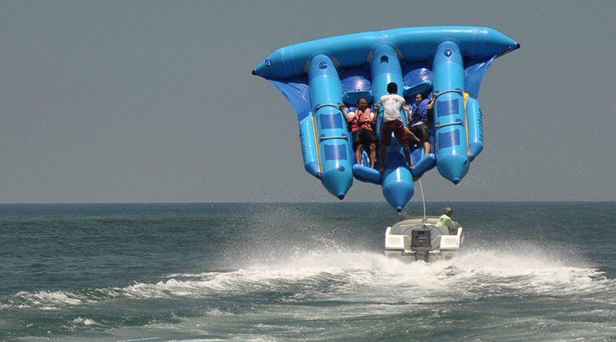 Flying Fish di Pantai Tanjung Benoa Bali