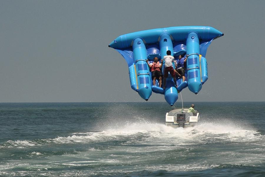 Flying Fish di Pantai Tanjung Benoa Bali » 7 Aktivitas Menarik di Pantai Tanjung Benoa Bali yang Wajib Kamu Coba