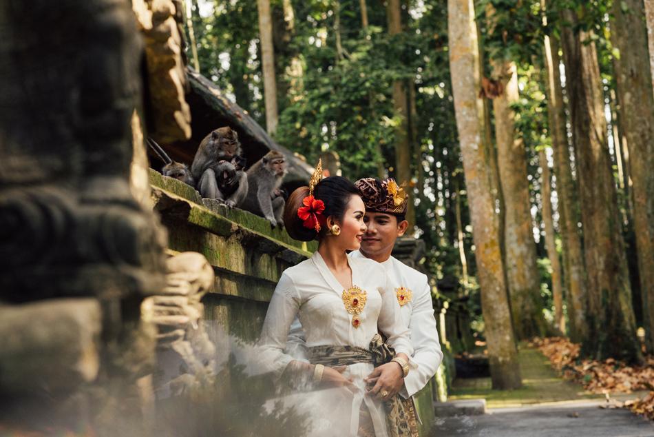 Foto Prewedding di Sangeh Monkey Forest 2 » Foto Prewedding di Sangeh Monkey Forest, Berapa Biayanya?