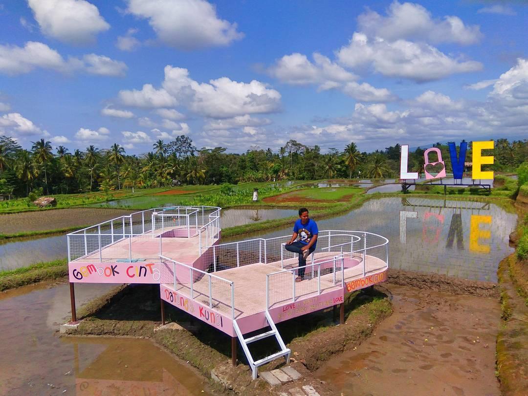 Gembok Cinta Tegalalang, Pilihan Wisata Instagrammable Baru di Bali