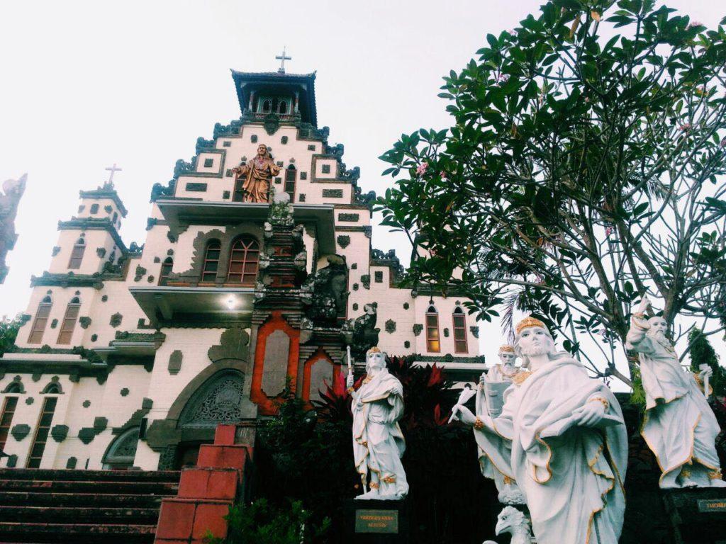 Gereja Katolik Palasari 3 1024x768 » Wisata Anti-Mainstream di Bali, Menyaksikan Keunikan Gereja Katolik Palasari di Jembrana