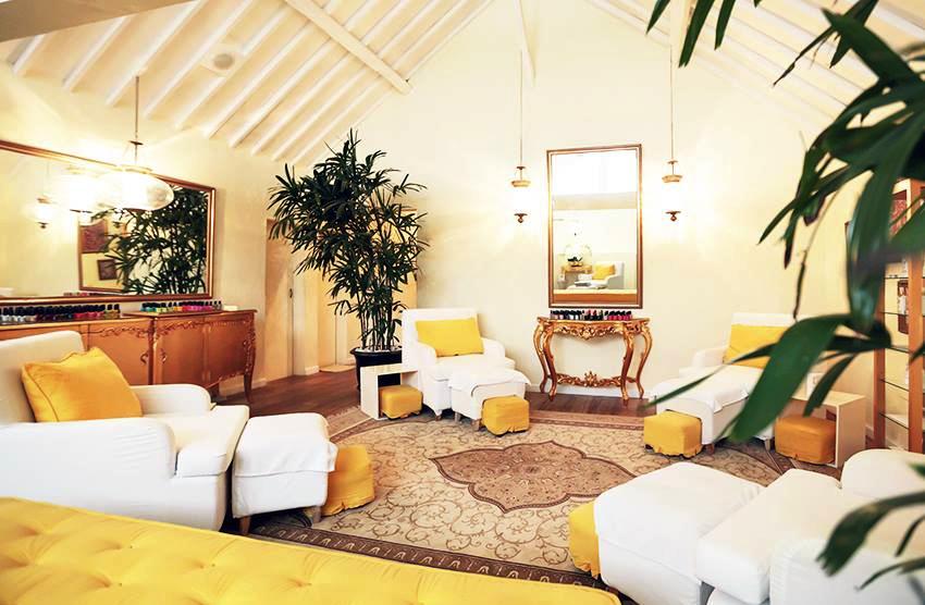Goldust Beauty Lounge Canggu, Sensasi Memanjakan Diri Dengan Perawatan Emas
