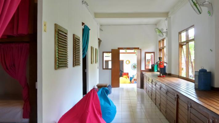 Hostel Friendly House Bali 2 » Hostel Friendly House Bali - Penginapan Murah untuk Backpacker dengan Desain Penuh Warna di Ubud