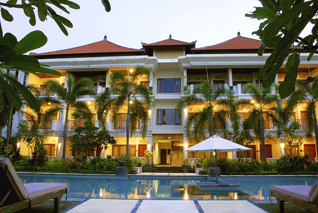 Hotel Kusuma Resort Seminyak, Penginapan Murah Berlokasi dekat Pantai