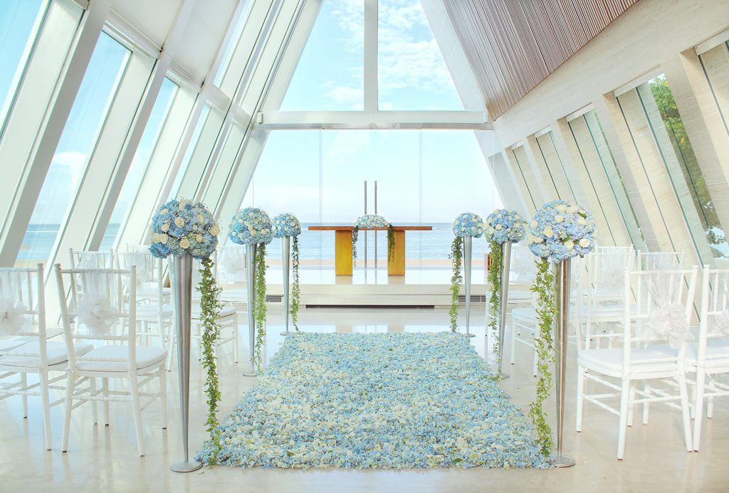 Infinity Chapel Hotel Conrad 4 1024x693 » Infinity Chapel Hotel Conrad, Venue Pesta Pernikahan Unik dengan Desain Kapel Transparan di Tepi Pantai