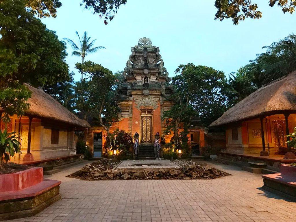 Istana Puri Saren Ubud