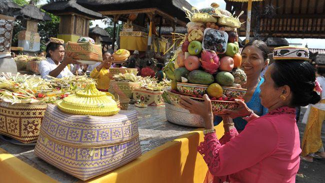 Jaja Kaliadrem Bali 1 » Jaja Kaliadrem Bali, Jajanan Tradisional Sepanjang Masa   Pelengkap Sesaji Galungan