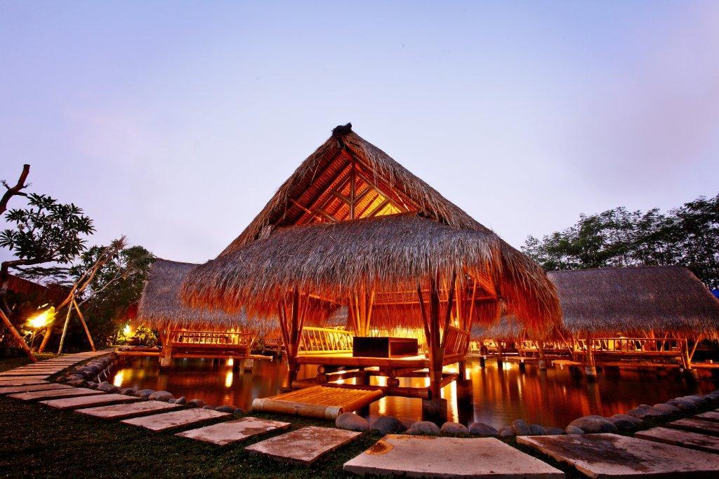 Jambul Resto Denpasar, Rumah Makan dengan Suasana yang Hangat Khas Pedesaan