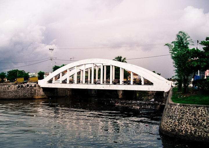 Melihat Kemegahan Jembatan Belanda di Singaraja yang Instagramable