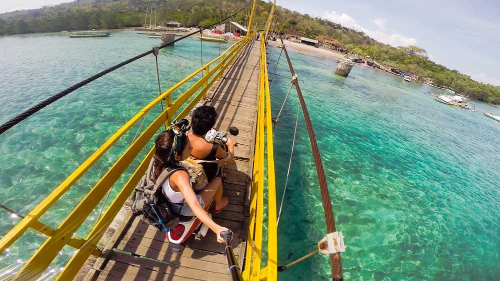 Jembatan Kuning Nusa Ceningan 1 » Jembatan Kuning Nusa Ceningan, Ikon Wisata Sekaligus Transportasi Utama Nusa Lembongan-Ceningan