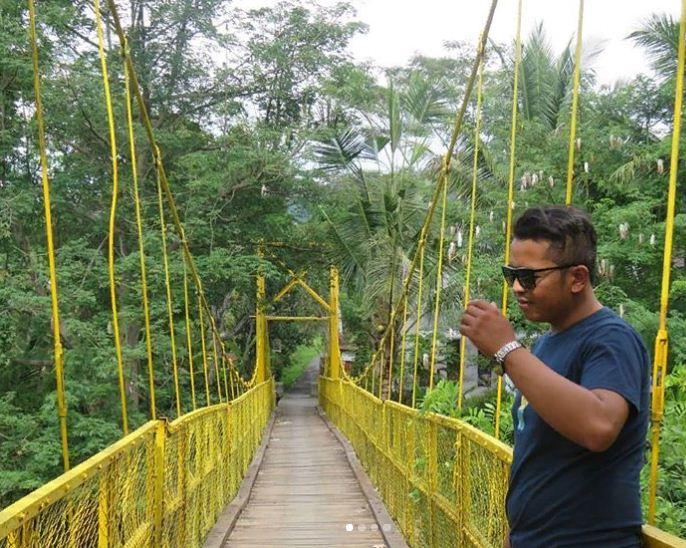 Jembatan Kuning Tukad Yeh Unda, Destinasi Wisata Murah Meriah dan Asyik di Bali