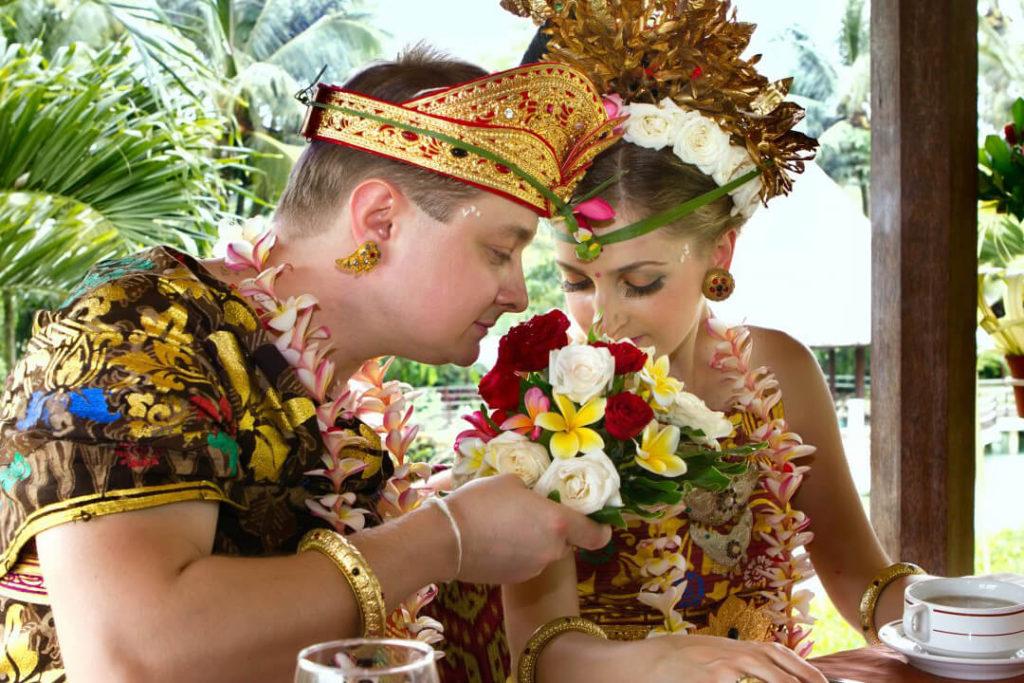 Jenis Pakaian Adat Bali 1 1024x683 » Mengenal Jenis Pakaian Adat Bali Berdasarkan Fungsi dan Tingkatannya