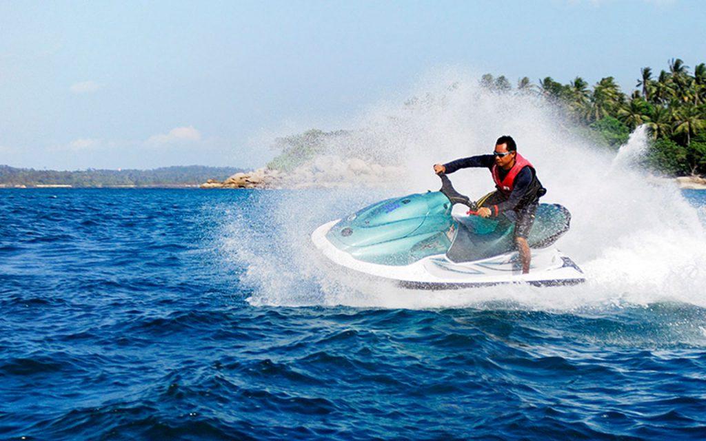 Jetsi di Pantai Tanjung Benoa Bali 1024x640 » 7 Aktivitas Menarik di Pantai Tanjung Benoa Bali yang Wajib Kamu Coba