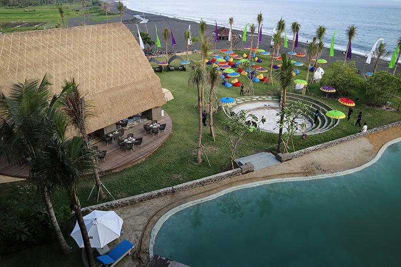 Jivva Beach Club Bali, Tempat Nongkrong Asik di Tepian Pantai Lepang, Klungkung