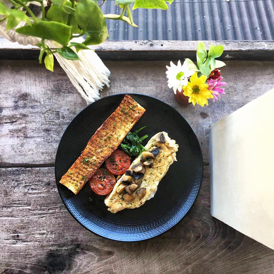Kafe Little Flinders Canggu 4 » Kafe Little Flinders Canggu, Tempat Makan dengan Nuansa Santai yang Kekinian