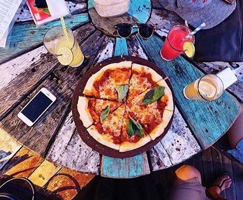 Kafe Single Fin Uluwatu 4 » Kafe Single Fin Uluwatu, Tempat Makan Enak dengan Suguhan Sunset Mengagumkan