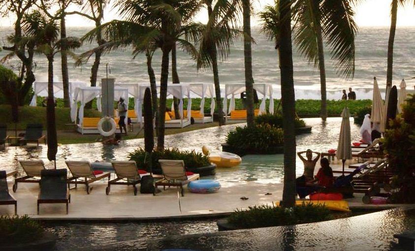 Kafe Woobar 1 » Kafe Woobar, Kafe Tepi Pantai dengan Pemandangan Fantastis Kawasan Seminyak