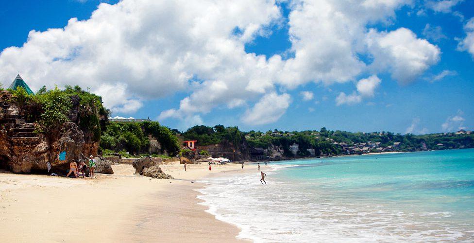 Keindahan Pantai Dreamland Bali yang selalu terjaga kebersihannya via