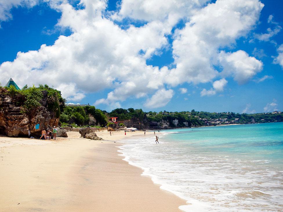 Keindahan Pantai Dreamland Bali yang terjaga kebersihannya » Pantai Dreamland Bali, Pantai Impian Baru di Pulau Dewata