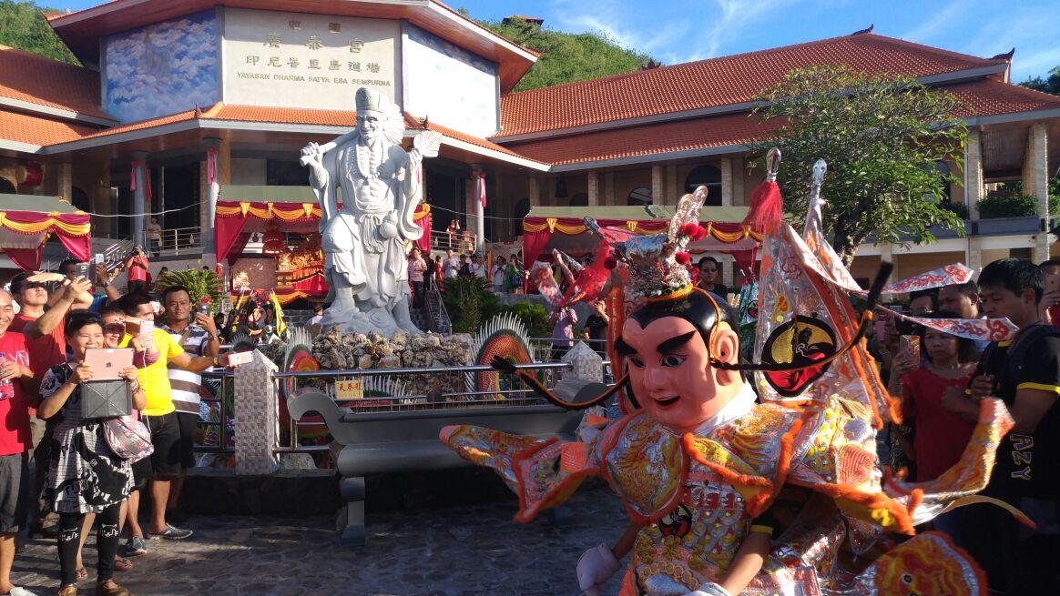 Klenteng Guang Thai Pecatu, Wisata Religi Tempat Pemujaan Dewa Mabuk