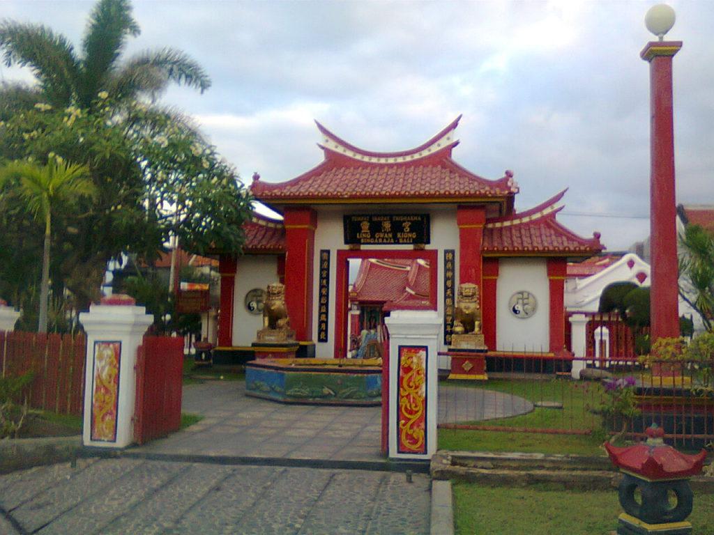 Klenteng Ling Gwan Kiong Singaraja 1 1024x768 » Klenteng Ling Gwan Kiong Singaraja, Klenteng Tua Dengan Arsitektur Unik di Tepi Laut   Buleleng
