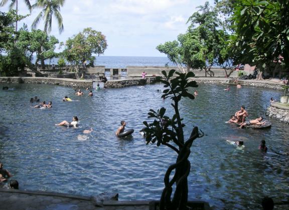 Kolam Renang Alami Air Sanih 1 » Kolam Renang Alami Air Sanih, Pilihan Tempat Berendam yang Cantik di Tepi Pantai Lovina