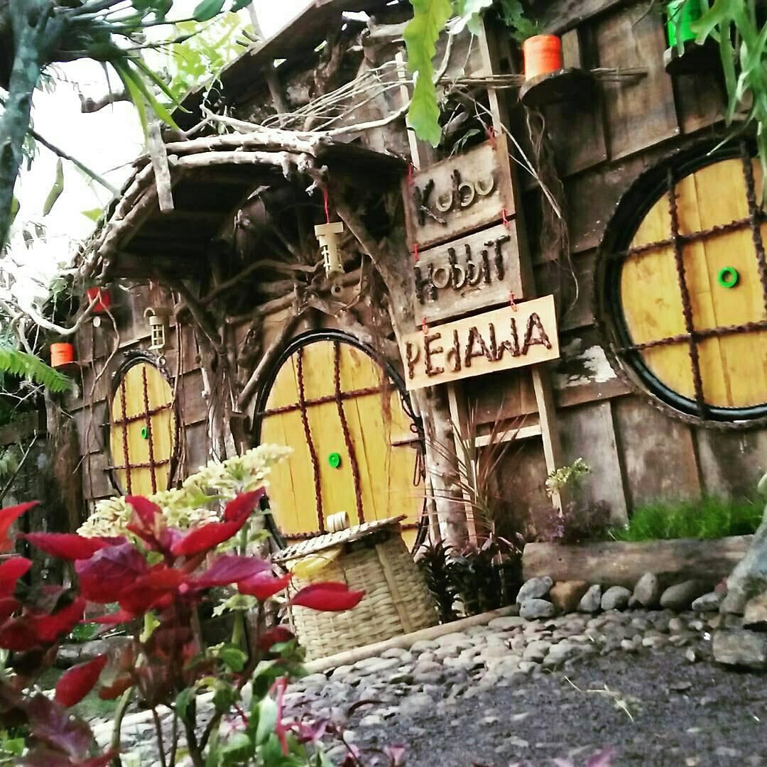 Kubu Hobbit Pedawa, Tempat Wisata Unik dengan Tema ala Rumah Hobbit