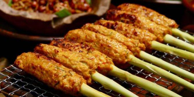 Kuliner Ayam Khas Bali 2 » Bingung Cari Makanan Halal di Bali? Pilih 5 Kuliner Ayam Khas Bali Ini Saja!