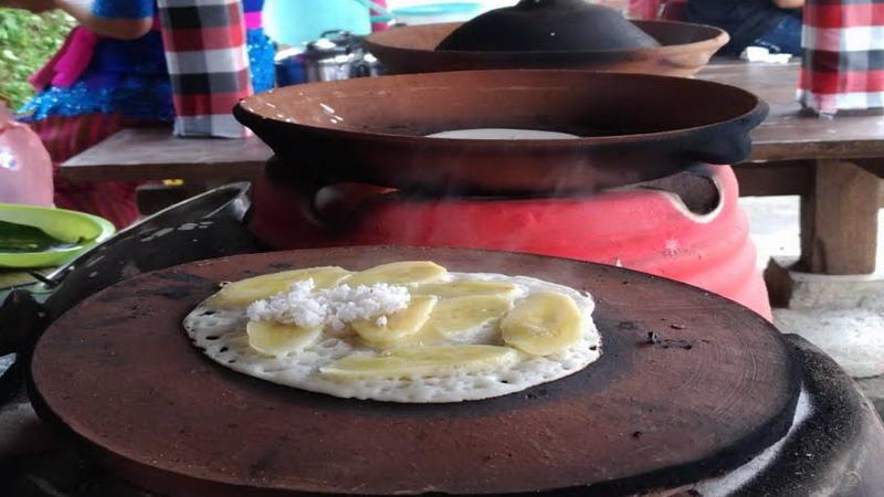 Laklak Pisang Khas Tabanan 3 » Laklak Pisang Khas Tabanan, Jajanan Tradisional Mirip Crepes yang Enak