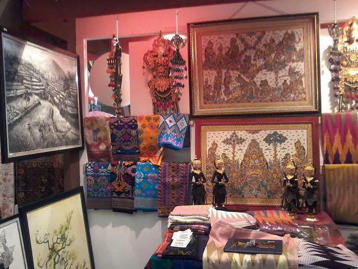 Ingin Membeli Oleh-Oleh Lukisan Seniman Bali? Ini Tips yang Perlu Diperhatikan