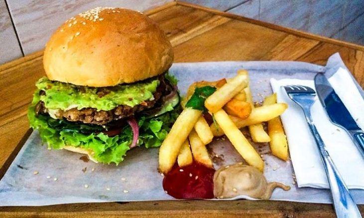 Luku Kitchen Seminyak 3 » Luku Kitchen Seminyak, Tempat yang Tepat Berburu Sajian Burger dan Burrito