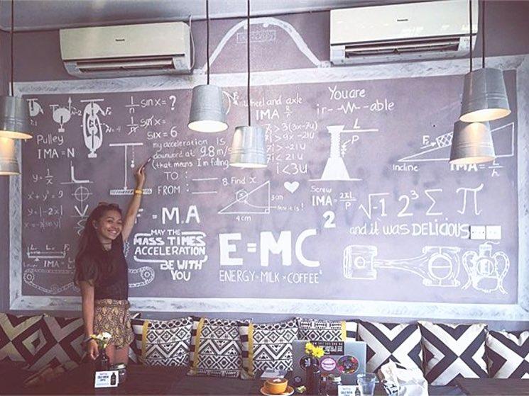 Machinery Cafe Canggu 3 » Machinery Cafe Canggu, Tempat Bersantai yang Nyaman untuk Bekerja dengan Interior Khas Permesinan