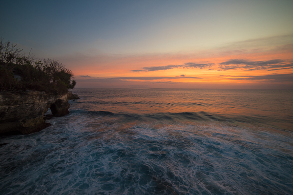 Mahana Point Cliff Jump Nusa Lembongan Aman