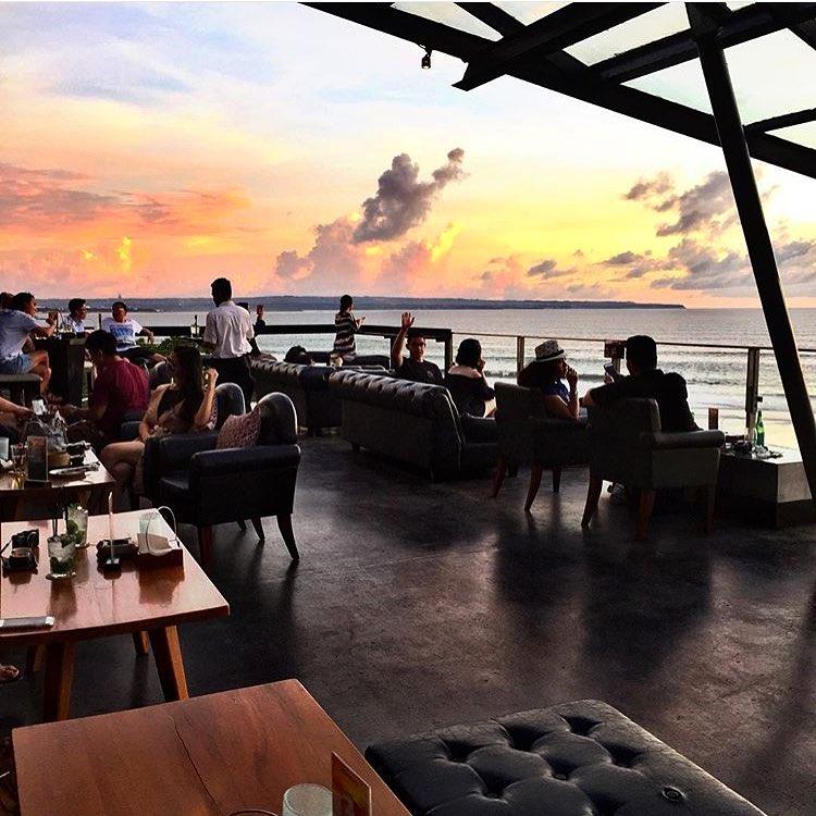 Moonlite Kitchen and Bar Bali 2 » Moonlite Kitchen and Bar Bali, Resto Unik Menawarkan Pemandangan Sunset Indah