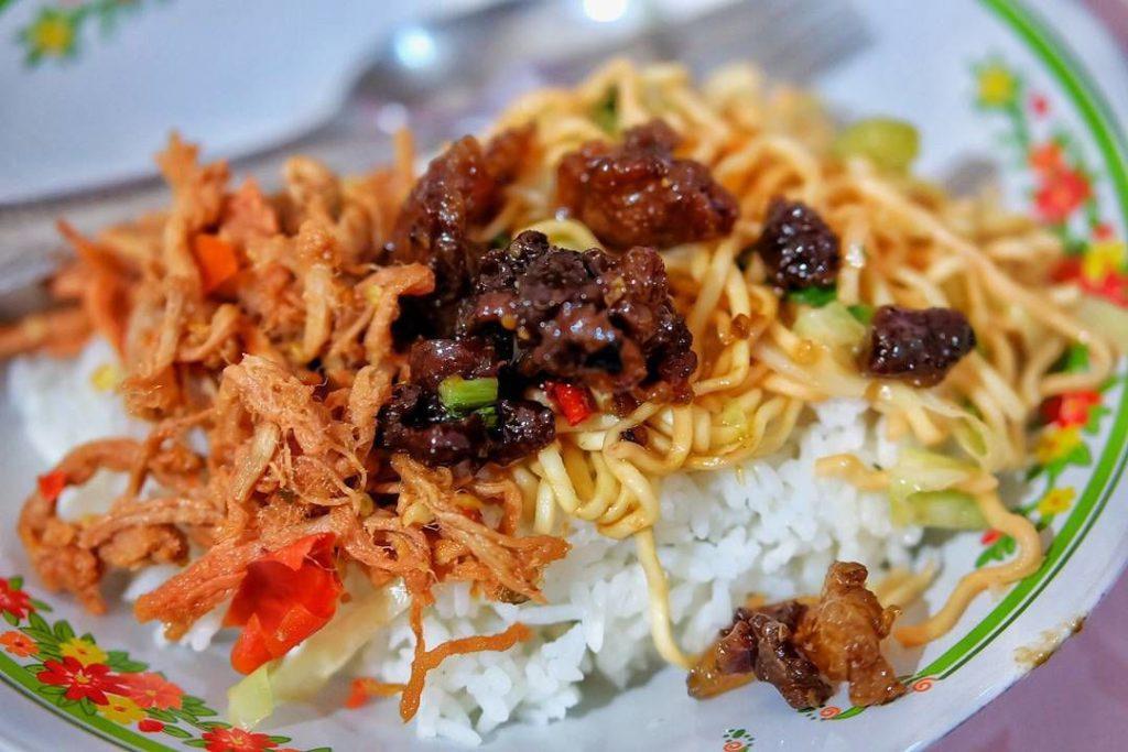 Nasi Angin Khas Tabanan 1 1024x683 » Nasi Angin Khas Tabanan, Kuliner Pinggir Jalan Murah Meriah di Bali
