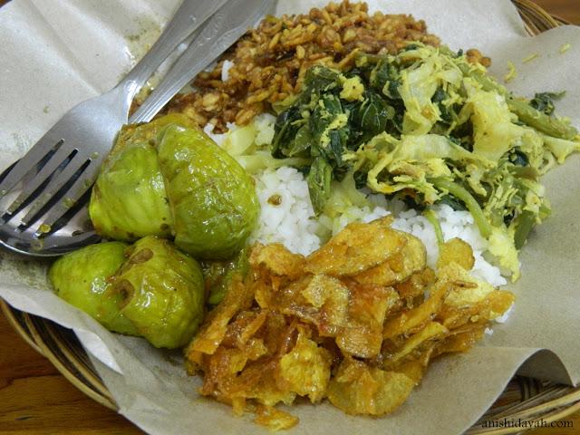 Nasi Pedas Bu Andika Kuta 2 » Nasi Pedas Bu Andika Kuta, Pilihan Kuliner Halal dan Murah Favorit Backpacker